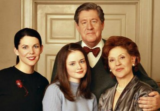 "Lauren Graham: Gilmore Girls Revival ""A Nice Tribute"" to Edward Herrmann"