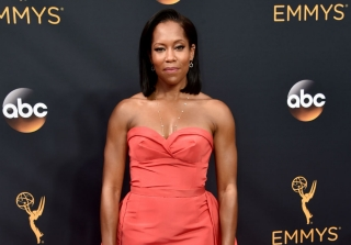 2016 Emmys Red Carpet: Regina King Marks \'Jerry Maguire\' Anniversary