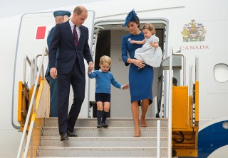 Prince William & Kate Middleton Arrive in Canada With Their Kids For Royal Tour (PHOTOS)