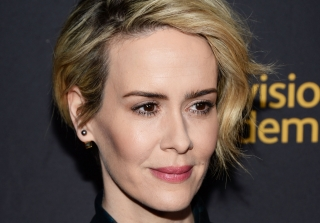 2016 Emmy Awards: Sarah Paulson Tells Holland Taylor \'I Love You\'