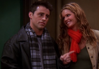 Elle Macpherson Regrets Guest Starring on 'Friends'