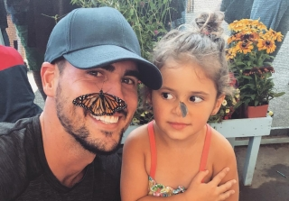 Amanda Stanton's Daughter Does Makeup Tutorial on Josh Murray! (VIDEO)