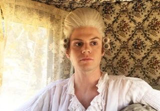 Twitter Applauds Evan Peters on 'American Horror Story: Roanoke' (PHOTOS)