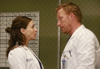 Grey's Anatomy's Caterina Scorsone Has Us Worried For Owen & Amelia