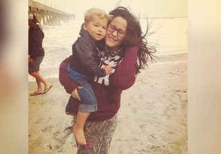 Jenelle Evans & Kids Brave Hurricane Matthew For Social Media (PHOTOS)