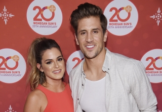 JoJo Fletcher & Jordan Rodgers Say Their Wedding Is Still Happening