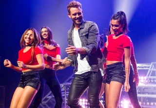 These Photos From Nick Viall\'s Backstreet Boys Group Date Are Everything