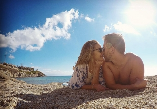 17 Pics From Nikki Ferrell's Dream Honeymoon in Greece (PHOTOS)