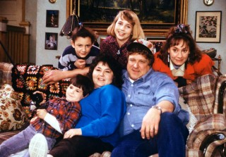 'Roseanne' Premiered 28 Years Ago — See the Cast Then & Now (PHOTOS)