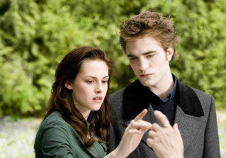 13 'Twilight' Auctions Items You Can Own: Bella's Engagement Ring & More